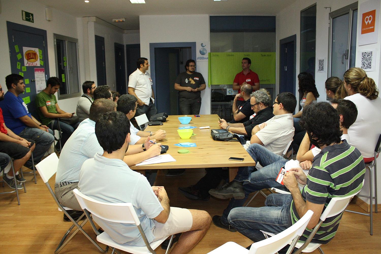 eComm&Beers v.1.0. : El primer club de profesionales relacionados con el comercio electrónico en Sevilla da sus primeros pasos
